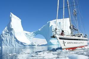 Santa Maria Australis im Eis